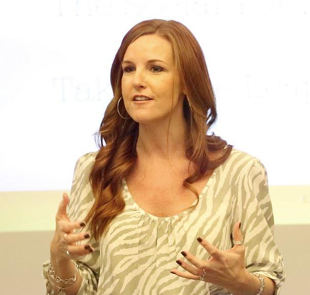 Danielle-Smith-Extraordinary Mommy