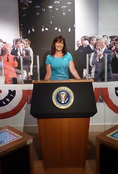 inauguration-podium