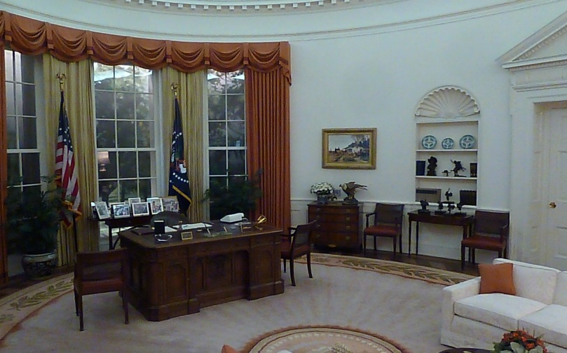 Reagan-oval-office