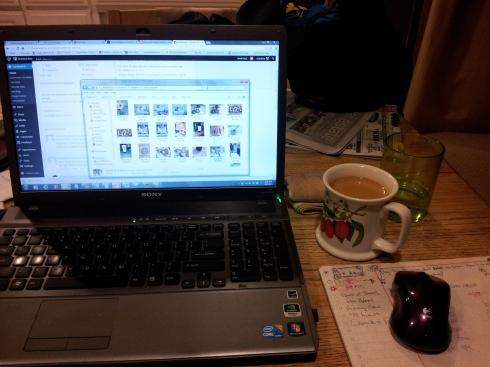 mom-blogger-desk