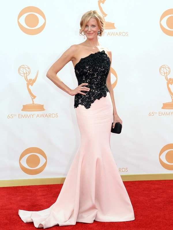 emmy-awards-20131-anna-gunn-