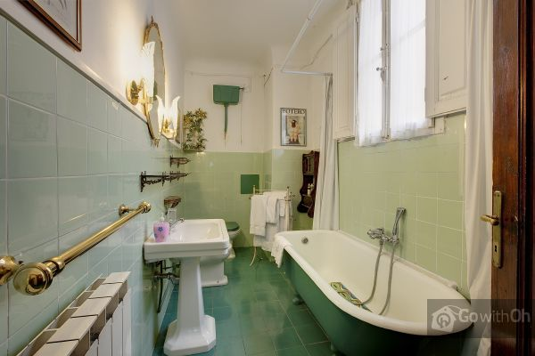 Italian-bathroom