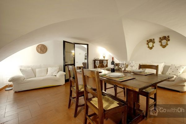 Go-with-oh-Florence-apartment