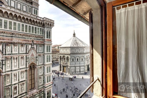 Apartment-with-Go-with-oh-Florence-apartment