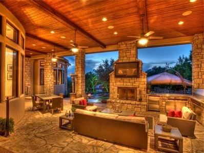 Outdoor-living-room