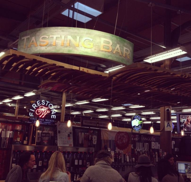 Whole-Foods-Venice-wine-tasting-bar