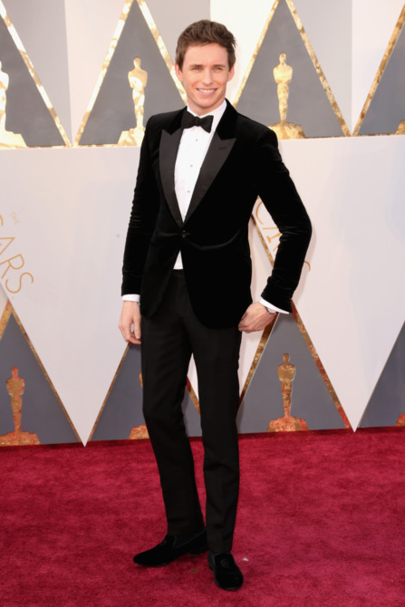 Eddie Redmayne 2016 oscars red carpet