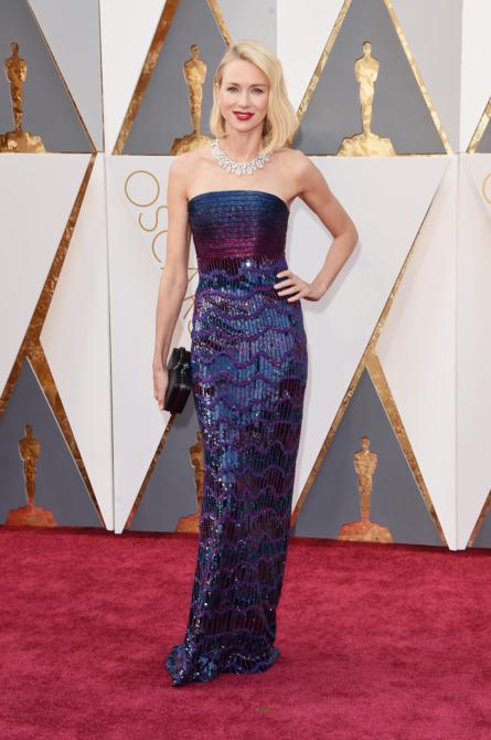 Naomi Watts wins Best Dressed