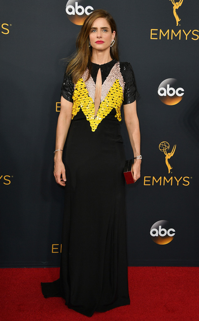 amanda-peet-emmy-awards-2016