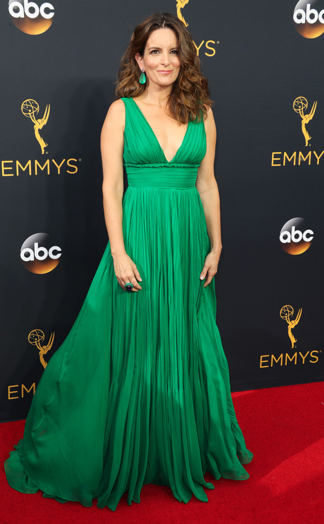 tina-fey-emmy-awards-red-carpet-2016