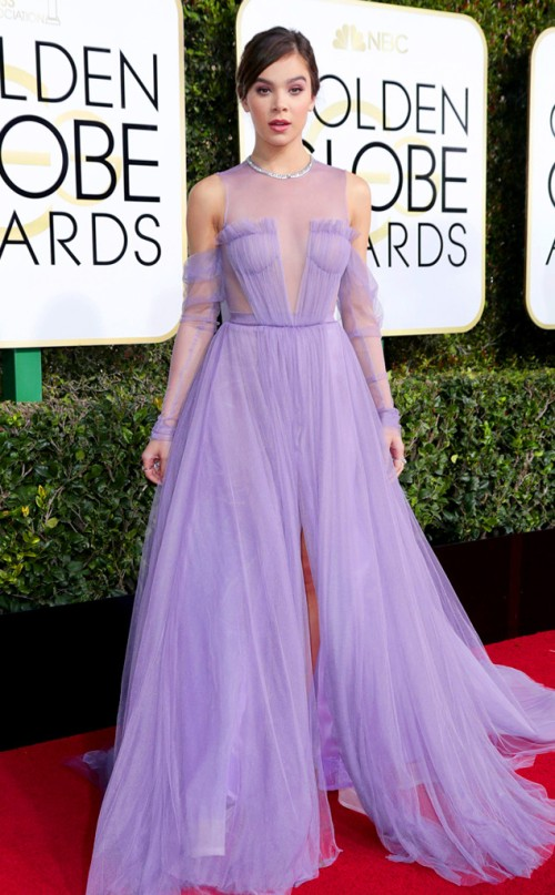 2017-golden-globe-awards-hailee-steinfeld