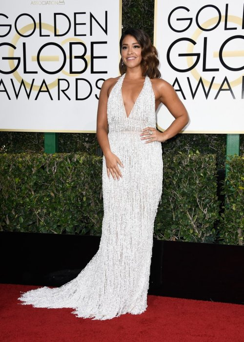 gina-rodriguez-dress-2017-golden-globes