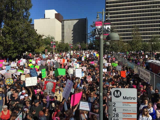 crowd at downtown los angeles women's march