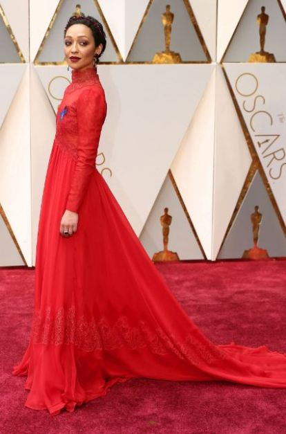 2017-academy-awards-oscars-red-carpet-ruth-negga