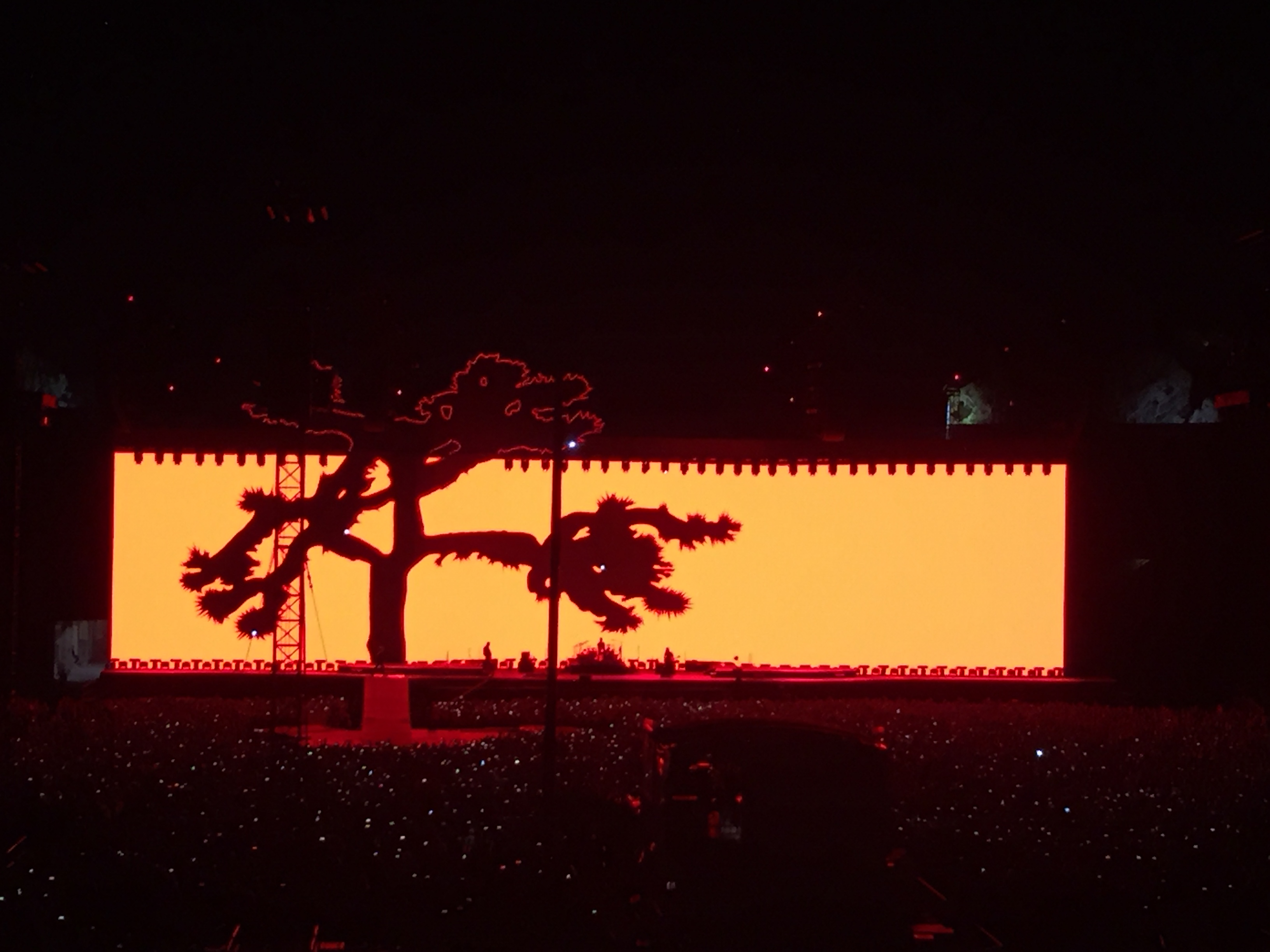 U2 Joshua Tree Tour Stage