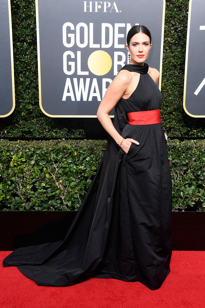 2018 Golden Globe Red Carpet Mandy Moore