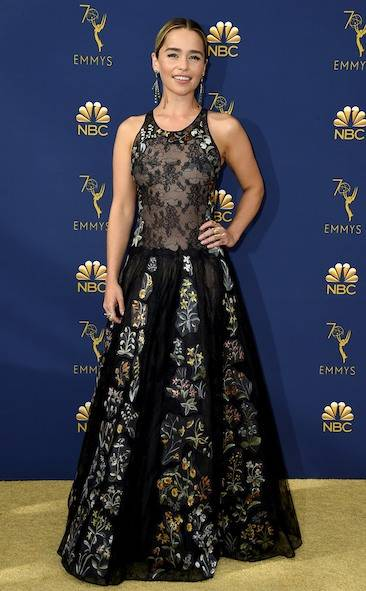 emilia-clarke-2018-emmy-awards-red-carpet-fashion